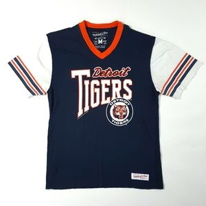 Mitchell & Ness Detroit Tigers V-Neck T-Shirt